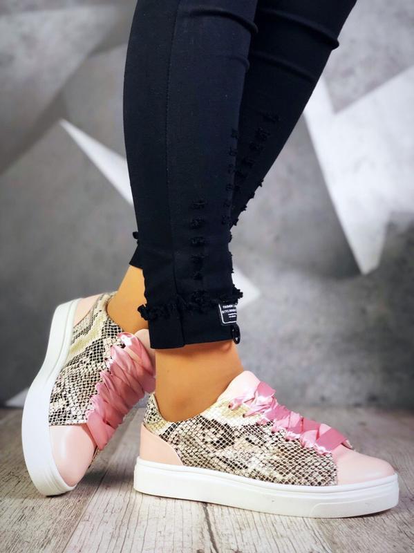 Кожаные кроссовки кеды со змеиным принтом. 36-40