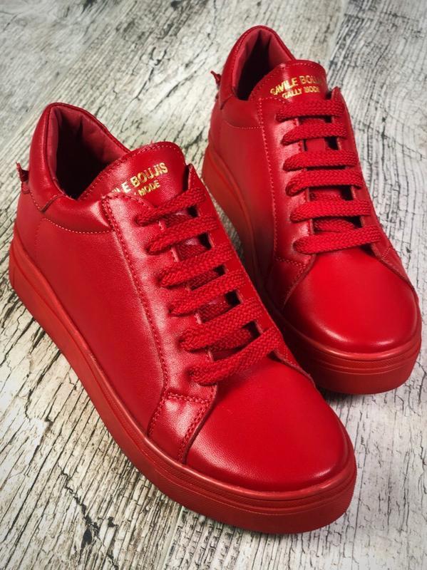 Кожаные кроссовки кеды с оригинальным декором сзади. 36-40