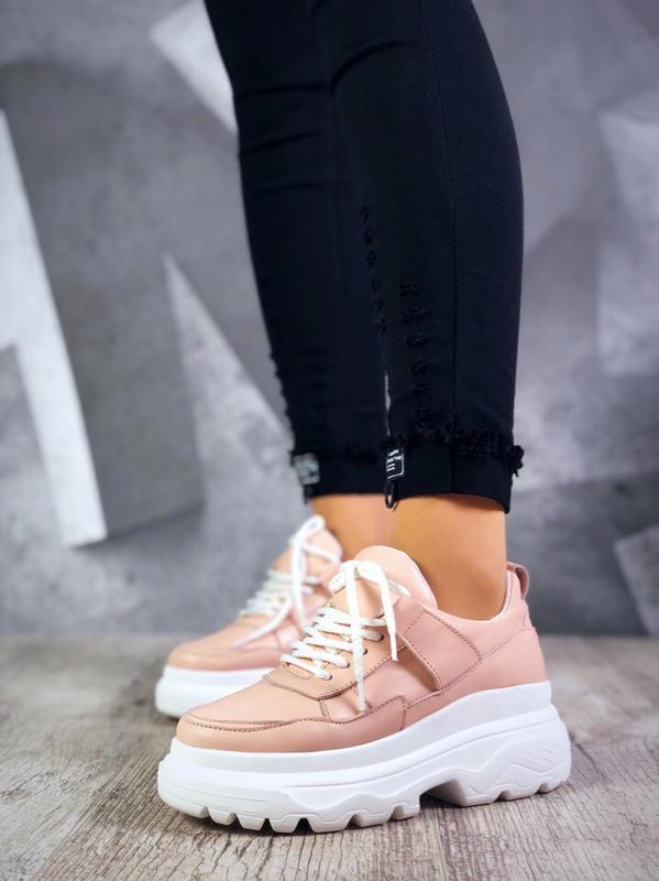 Кожаные кроссовки на модной подошве. 36-40