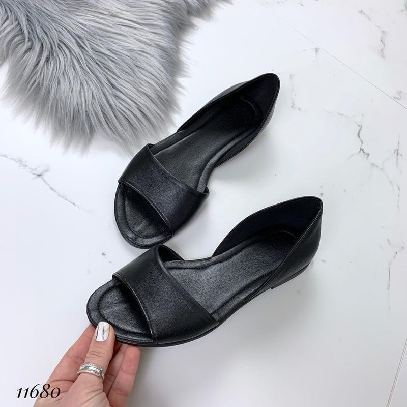 Кожаные босоножки сандалии балетки с открытым носком.