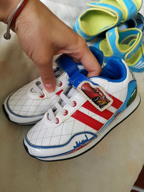 Красовки adidas disney