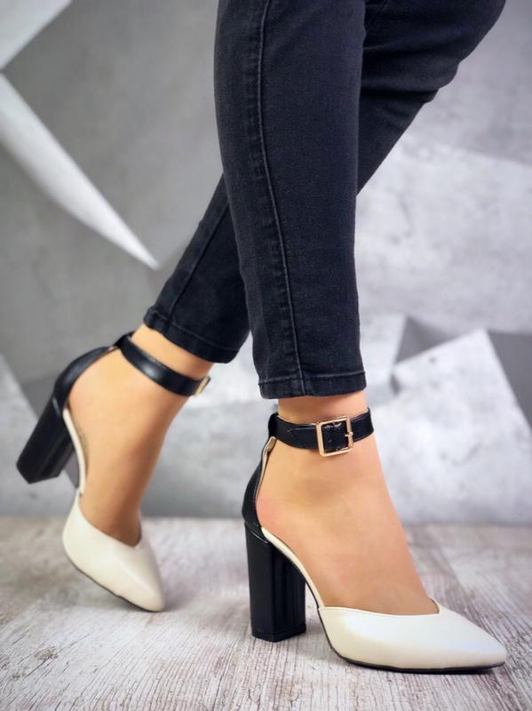 Люксовые кожаные туфли с узким носком