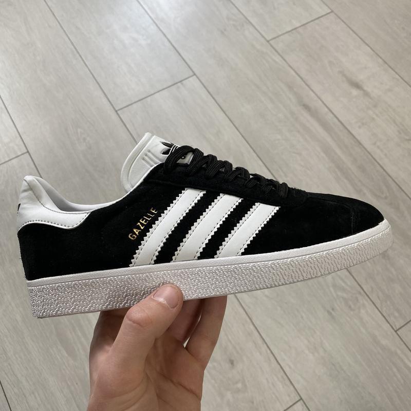 Женские черные кроссовки adidas gazelle