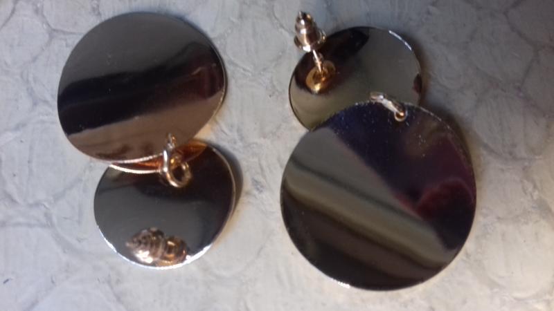 Серьги-гвоздики золотистые