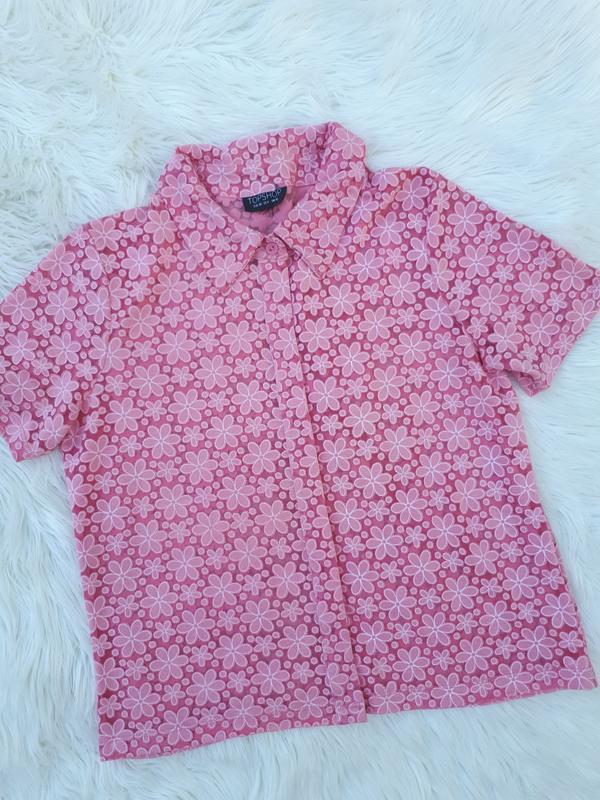 Пудровая рубашка в выбитый цветок раз.м