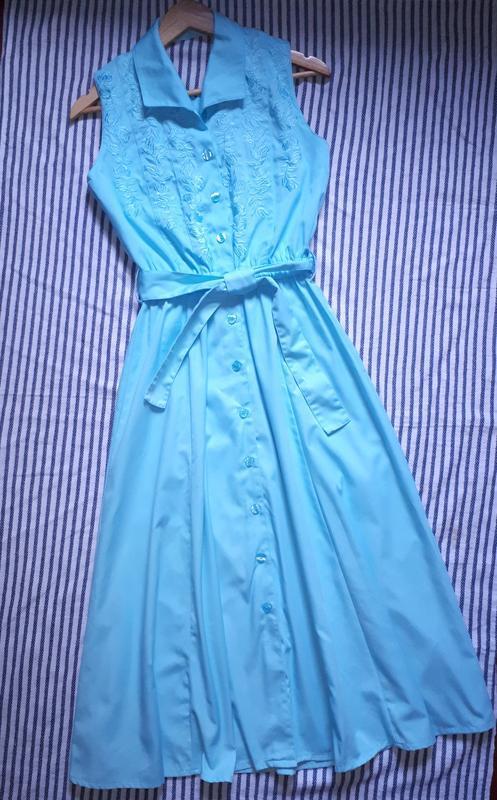 Шикарное платье миди с вышивкой и красивой спинкой раз.xs-s