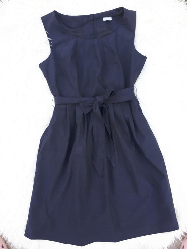 Шикарное платье с карманами и красивой спинкой раз.xl