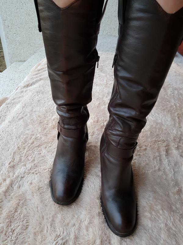 Демисезонные коричневые кожаные высокие сапоги