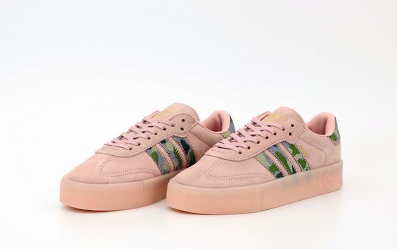 Женские кроссовки адидас - Фото 2
