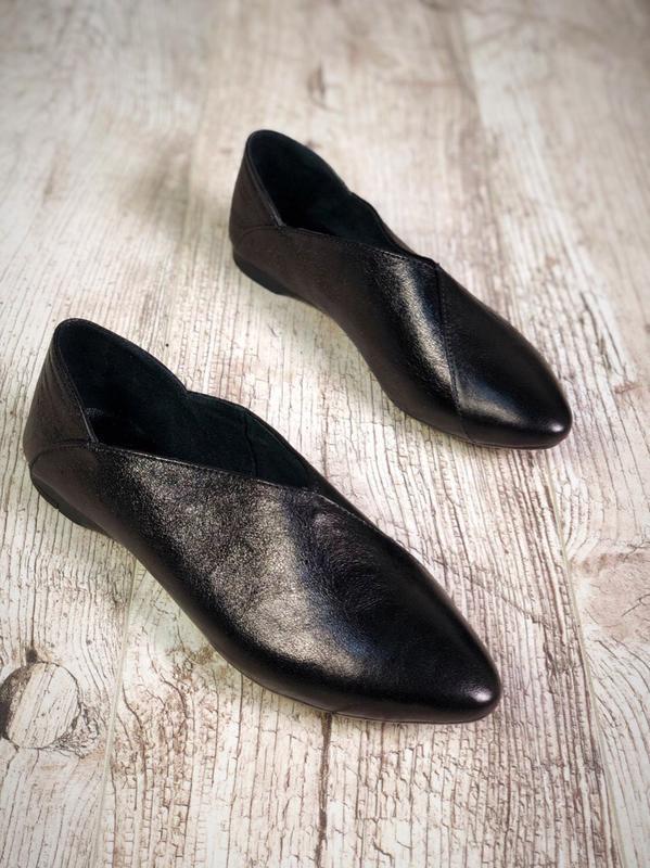 Эксклюзивные кожаные балетки лоферы с узким носком с острым но...