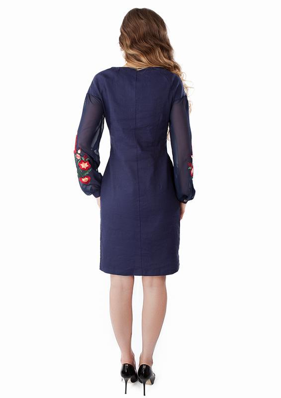 Женское платье с вышивкой - Фото 3