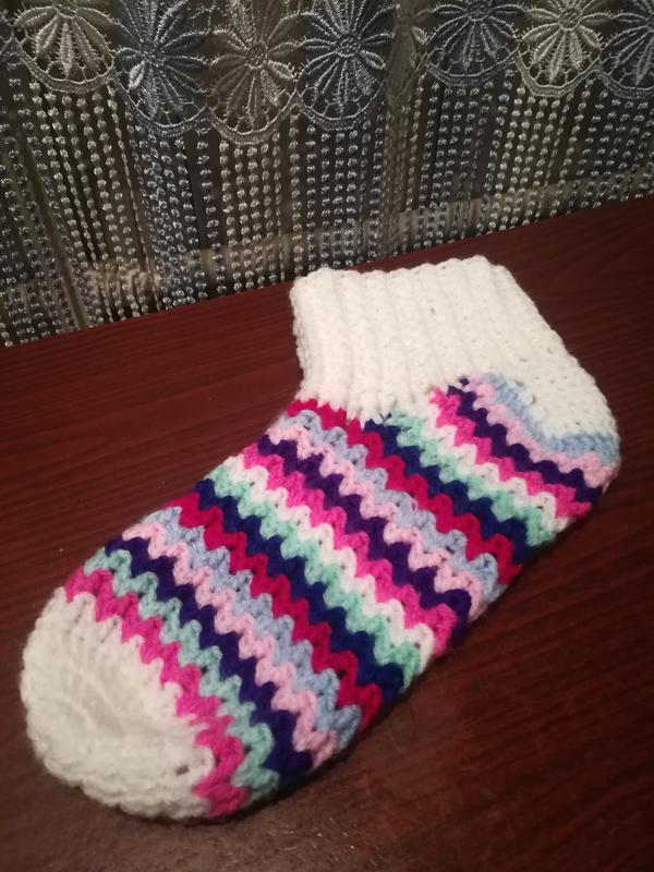Вязаные носки и пинетки