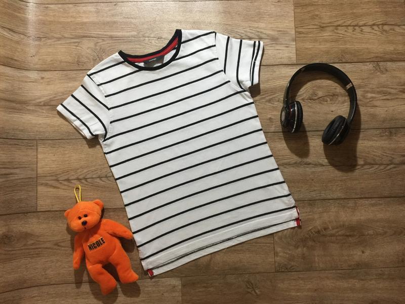 Стильная хлопковая  футболка на мальчика в полоску ,на 9\10 ле...