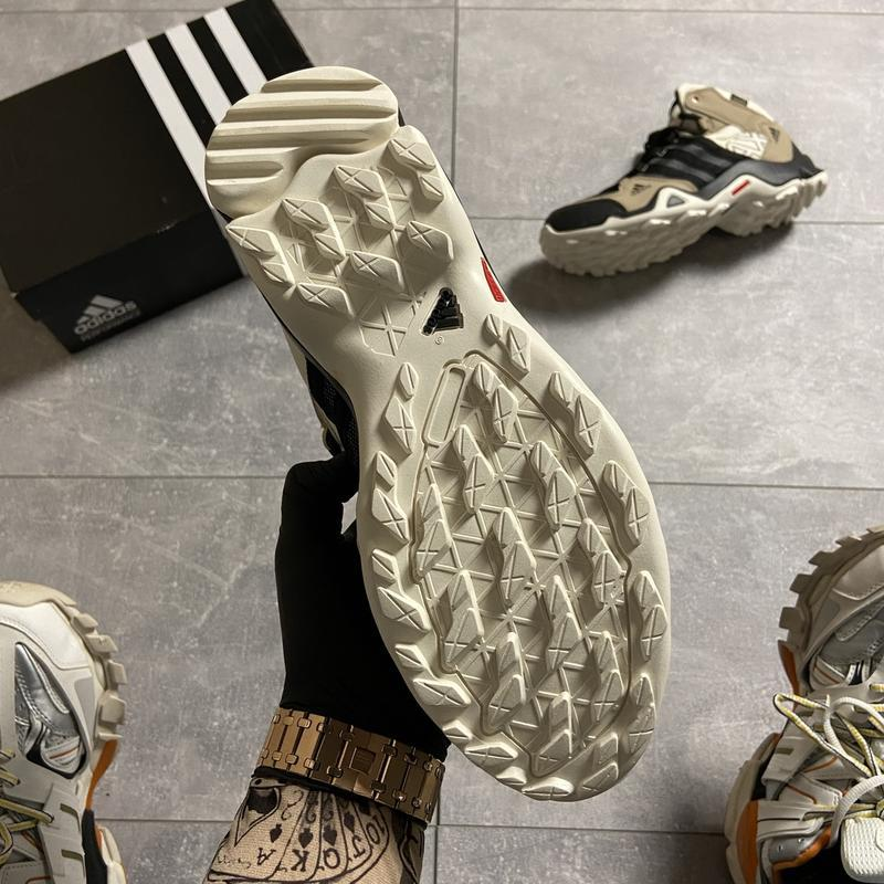 Мужские кроссовки adidas terrex ax3 beige/black. - Фото 4