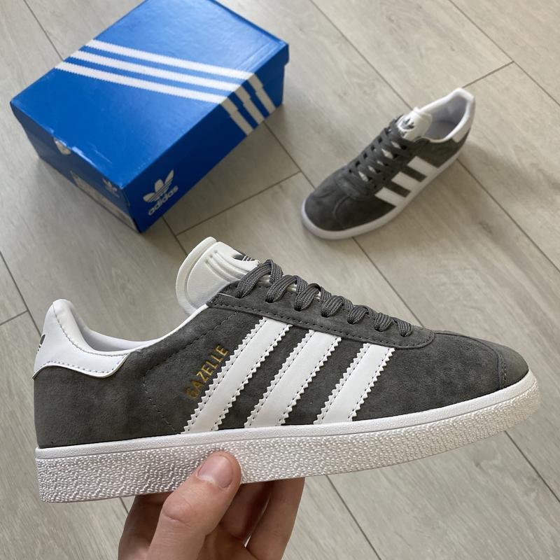 Adidas gazelle gray женские стильные кроссовки - Фото 2