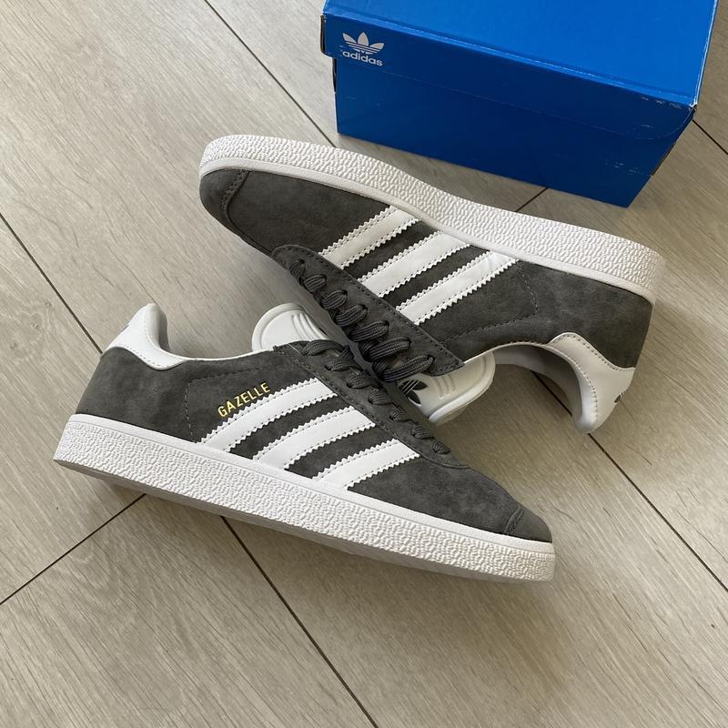 Adidas gazelle gray женские стильные кроссовки - Фото 3