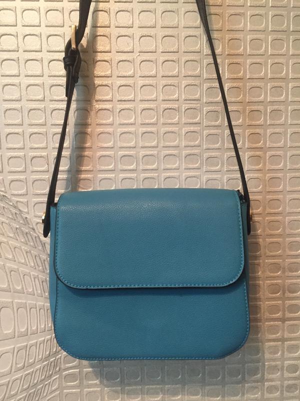 Стильная сумочка кроссбоди от caprice