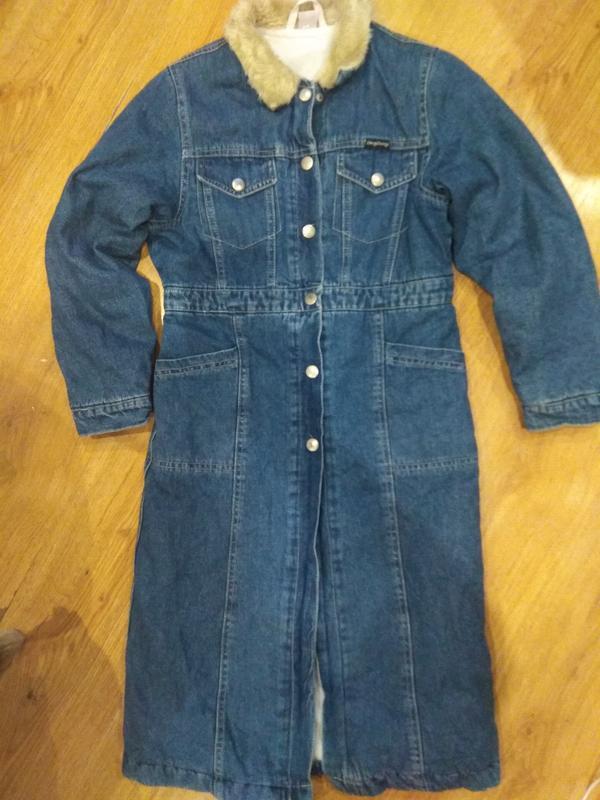 Стильное джинсовое пальто 134 размер - Фото 2