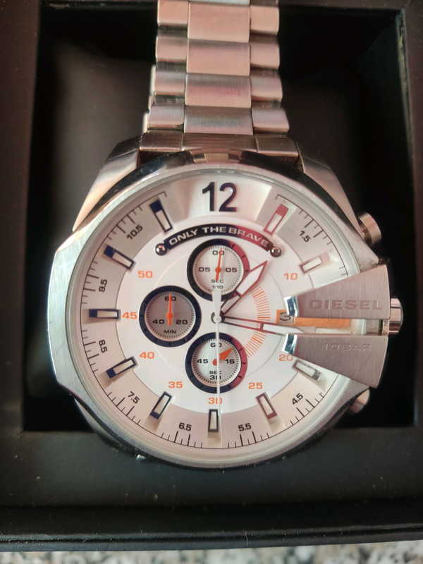 Часы diesel продам lacroix выкуп часов maurice