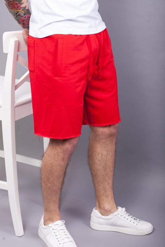 Стильные мужские красные шорты - Фото 2