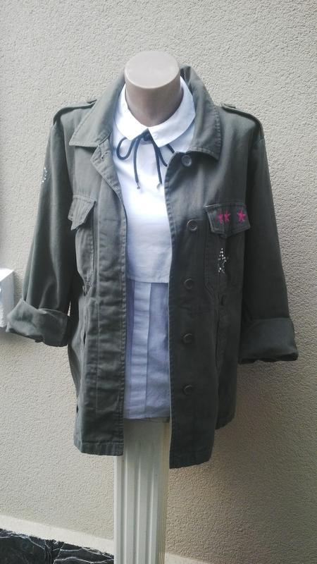 Куртка,жакет,пиджак(рубашка) с нашивками на груди,цвет хаки,бо...