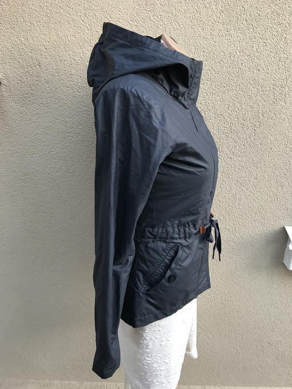 Куртка,ветровка,дождевик,парка с капюшоном,бренд-bench оригина...