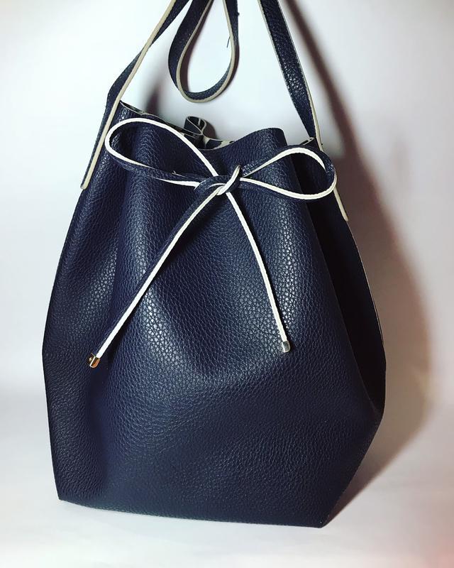 Большая,брендовая,темно-синяя сумка -мешок,торба кож.зам, с es...
