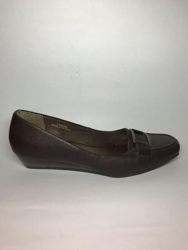 Кожаные туфли большого размера.