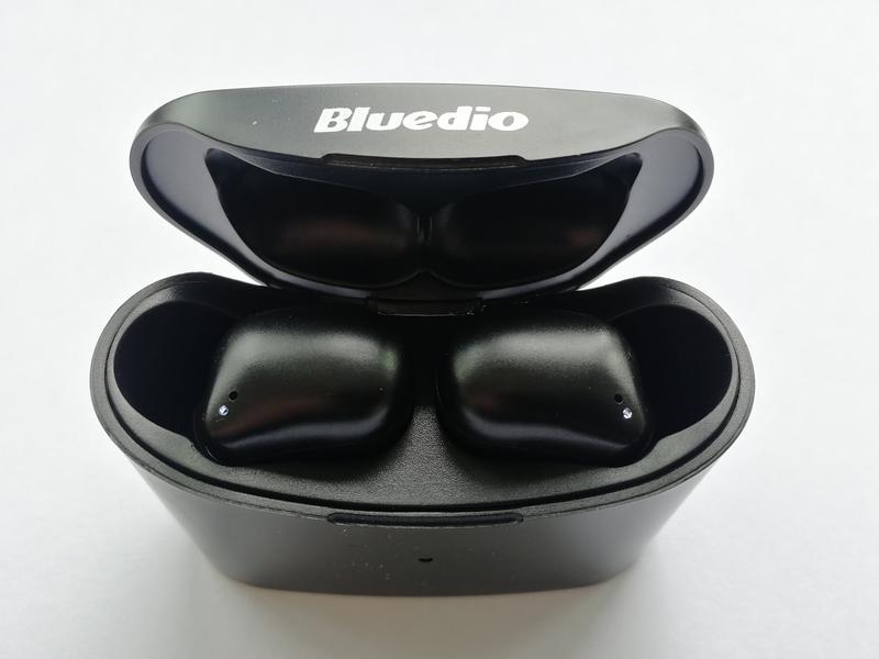 Беспроводные Bluetooth наушники Bluedio T Elf 2 с зарядным боксом - Фото 9