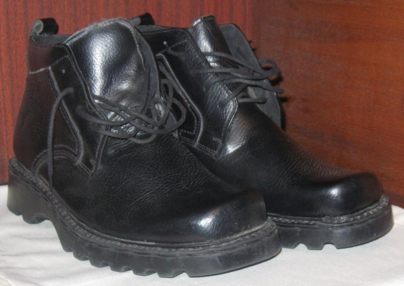 Ботинки мужские зимние. новые. прошитые и проклееные. не дорого