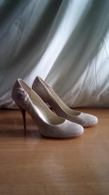 Замшевые туфли шпилька размер 39-40 на узкую ножку renzoni
