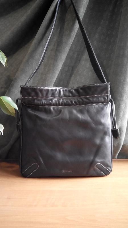 Кожаная наплечная сумка итальянского бренда gillian