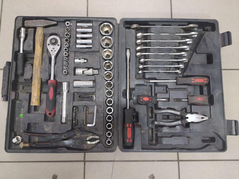Универсальный набор инструментов Intertool ET-6073