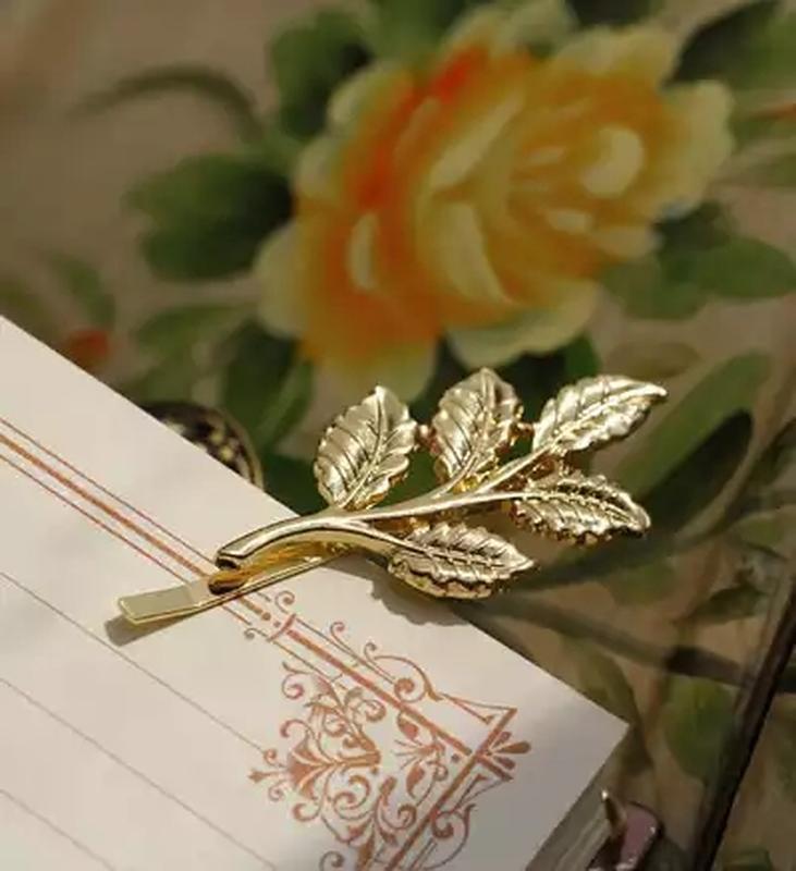 Пара золотистых заколок зажимы невидимки листочек