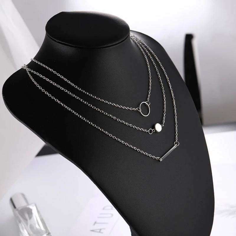 Стильное серебристое трехслойное ожерелье