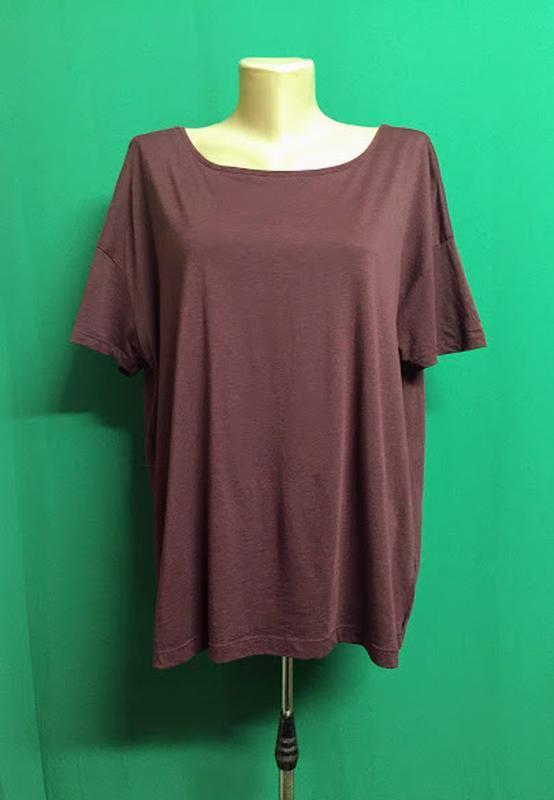 Туника-футболка с расклешенной спинкой feza