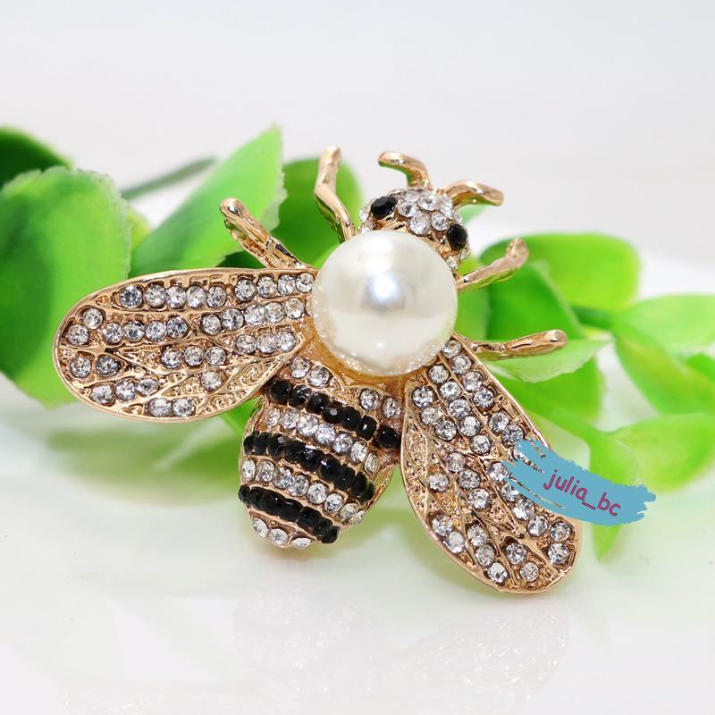 Брошь-кулон пчела жемчуг, смотрите больше бижутерии в моих объ...