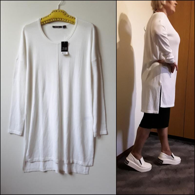 Вязаное белое платье-туника джемпер