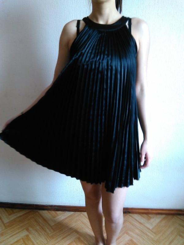 Шикарное платье плиссировка