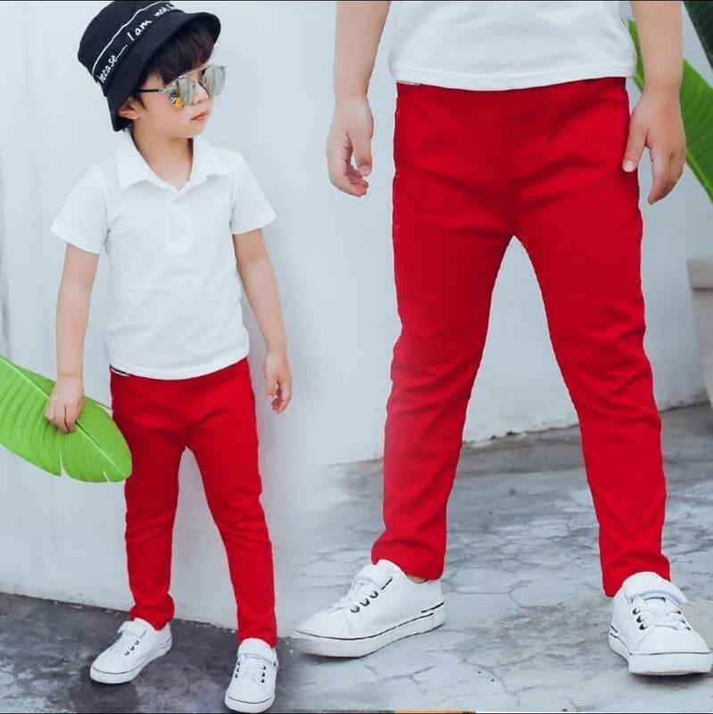 Джинсы красные на мальчика 4..6 лет