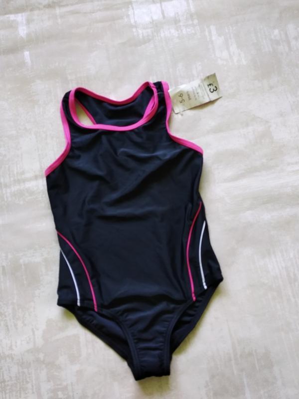 Купальник девочке для бассейна  или пляжа на 5-6 лет
