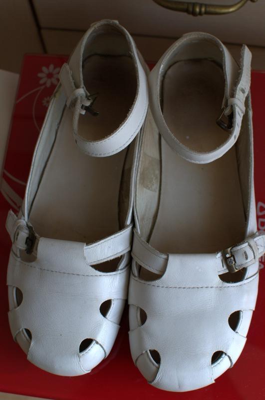 Туфли кожаные белые,37 размер