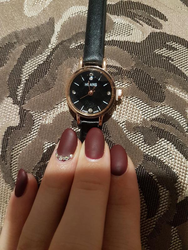 Элегантные черные наручные часы - Фото 4