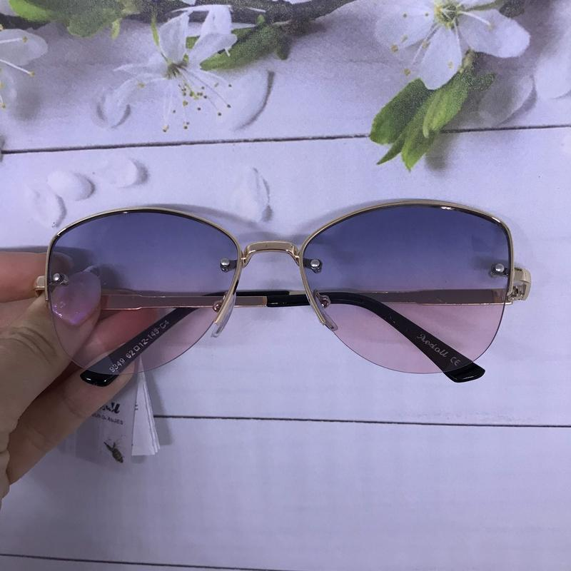 Трендовые солнцезащитные очки к. 2666