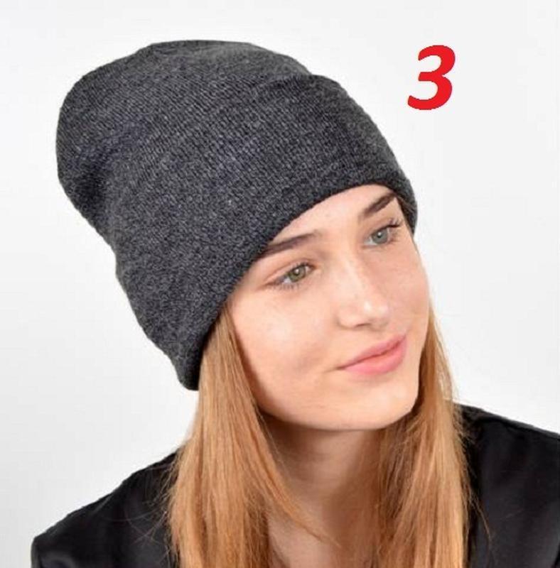 Стильная молодежная шапка с отворотом, двойная, с нашивкой бре... - Фото 2
