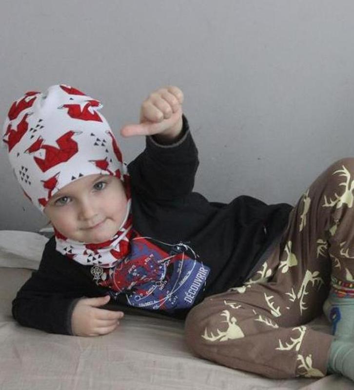 Детская шапка и хомут, демисезонный комплект: лисички на белом... - Фото 2