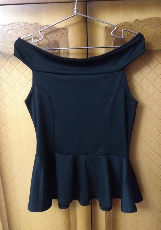 Блуза с открытыми плечами + баска