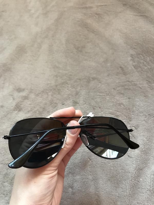 Чёрные солнцезащитные очки - Фото 2