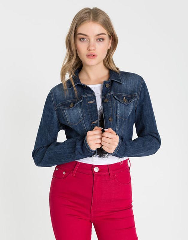 !продам новую женскую джинсовую укороченную куртку пиджак жакет