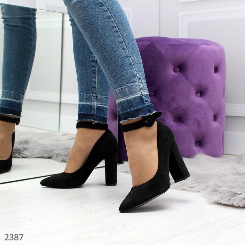 Стильные черные туфельки